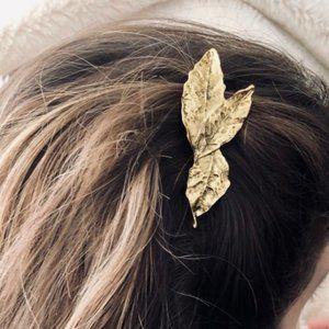 Brandy Melville Gold Metal Leaf Bundle Hair Clip